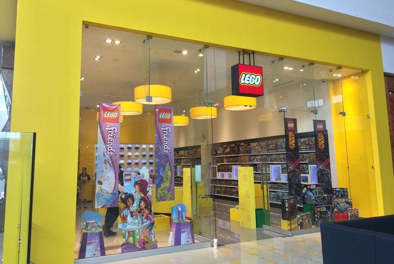Lego Store Lincoln Plaza | Urbanotecnia